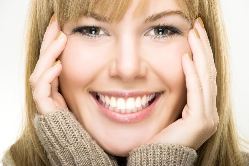 李佳琦的牙上了热搜,牙齿初老症状你有吗?